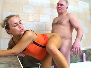 Teen girl gets fucked in the tub by old dude from Old N Young