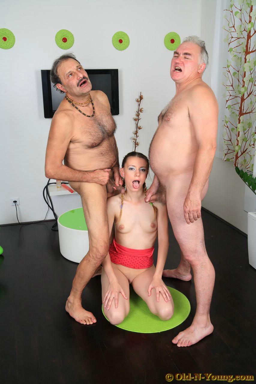 Abuelo Le Fuerza Porn abuelos al ataque, la edad no es un problema - poringa!